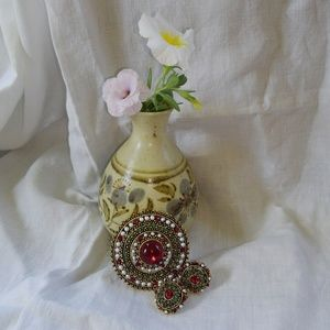 Vintage ART Beaded Brooch Clip-On Earrings
